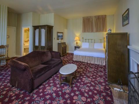 Hill House Inn - Ocean View Room
